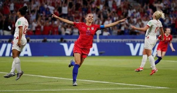 สาวมะกันคมกว่าเฉือนอังกฤษหวิว ผ่านเข้าชิงชนะเลิศทีมแรกศึก ฟุตบอลโลกหญิง